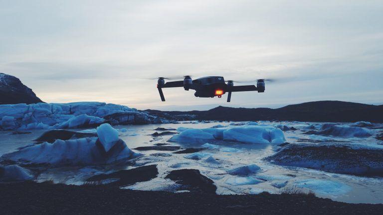 5 wskazówek jak sprzedać swoje filmy z drona-drone 2591566 1920 768x432